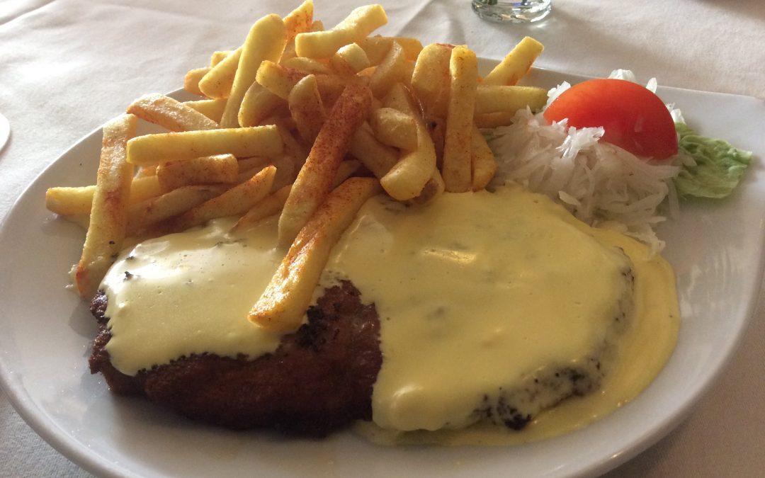 Schnitzel Hollandaise